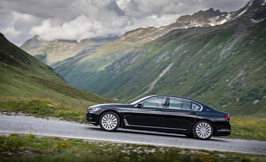 2017 BMW 740Le (Euro-spec) - Slide 10