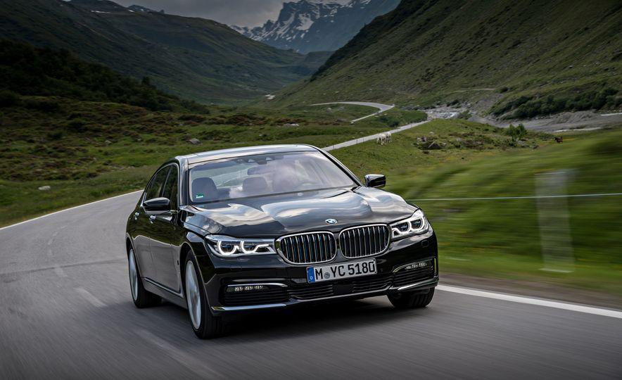 2017 BMW 740Le (Euro-spec) - Slide 14