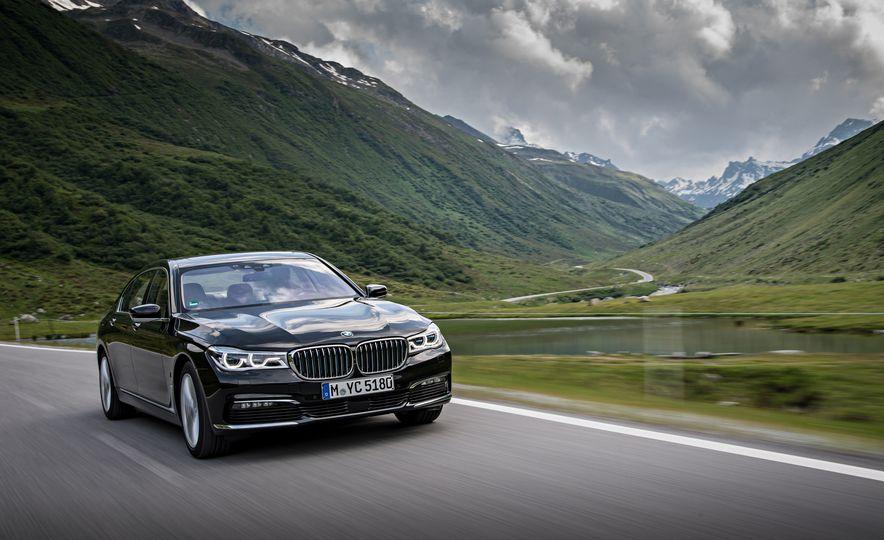 2017 BMW 740Le (Euro-spec) - Slide 16