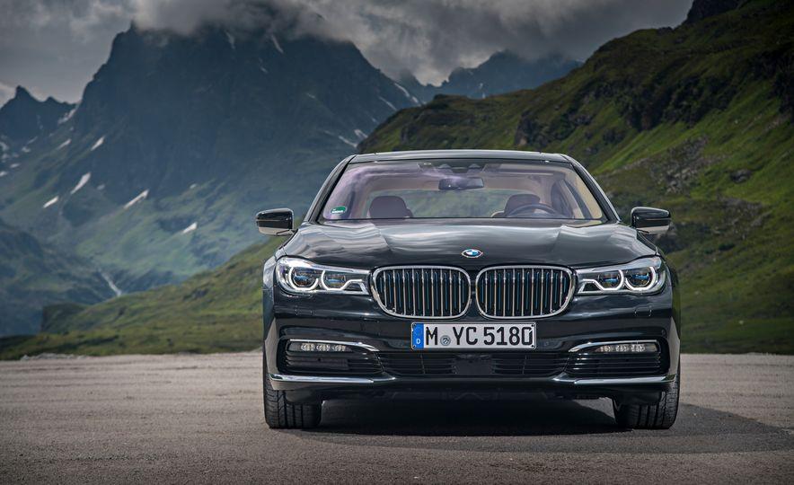 2017 BMW 740Le (Euro-spec) - Slide 17