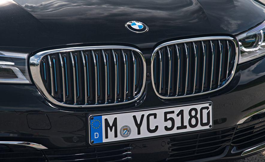 2017 BMW 740Le (Euro-spec) - Slide 20