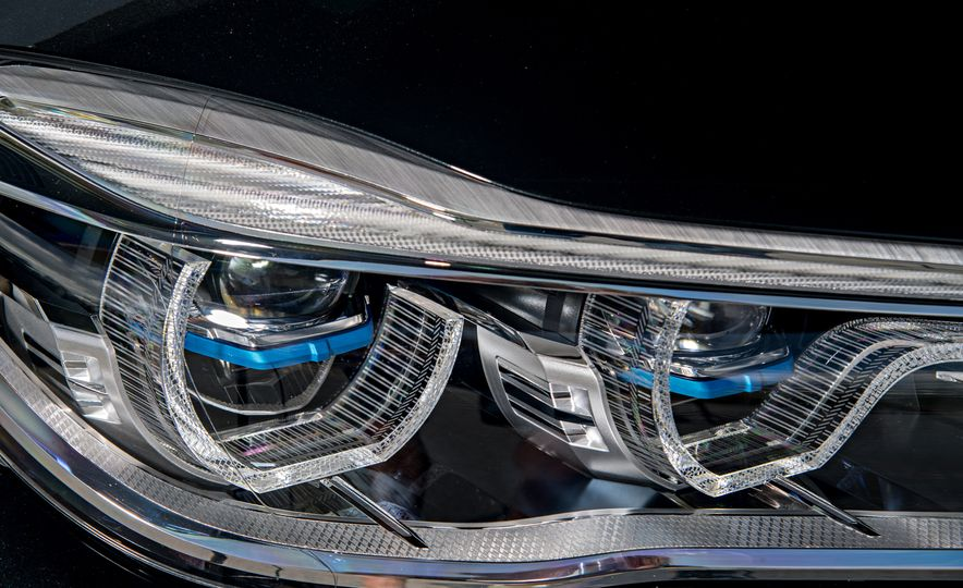 2017 BMW 740Le (Euro-spec) - Slide 21