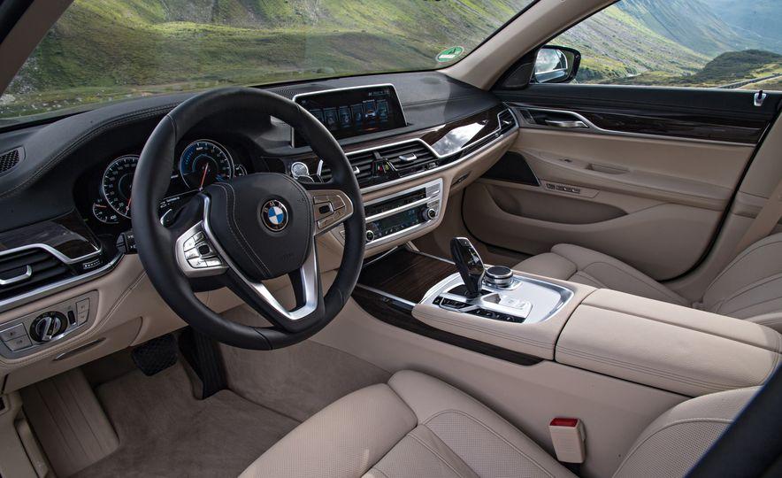 2017 BMW 740Le (Euro-spec) - Slide 25