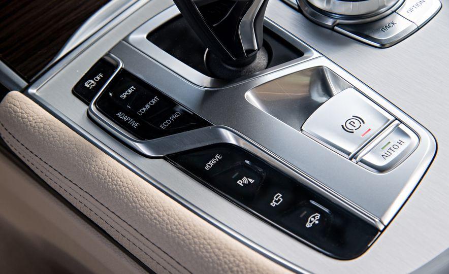 2017 BMW 740Le (Euro-spec) - Slide 27