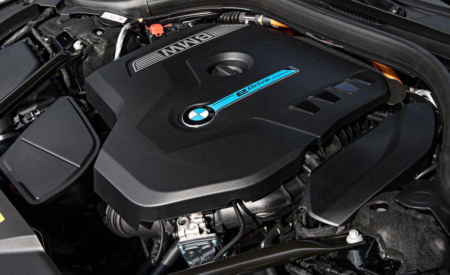 2017 BMW 740Le (Euro-spec) - Slide 29