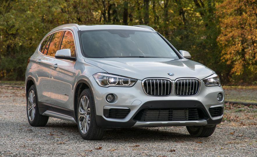 2017 BMW X1 xDrive28i - Slide 3