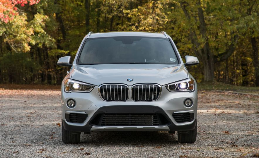 2017 BMW X1 xDrive28i - Slide 4