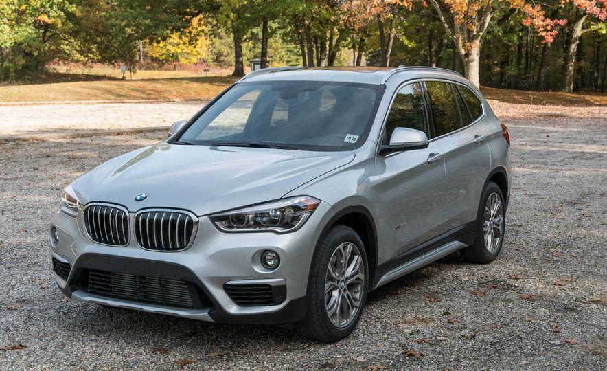 2017 BMW X1 xDrive28i - Slide 5