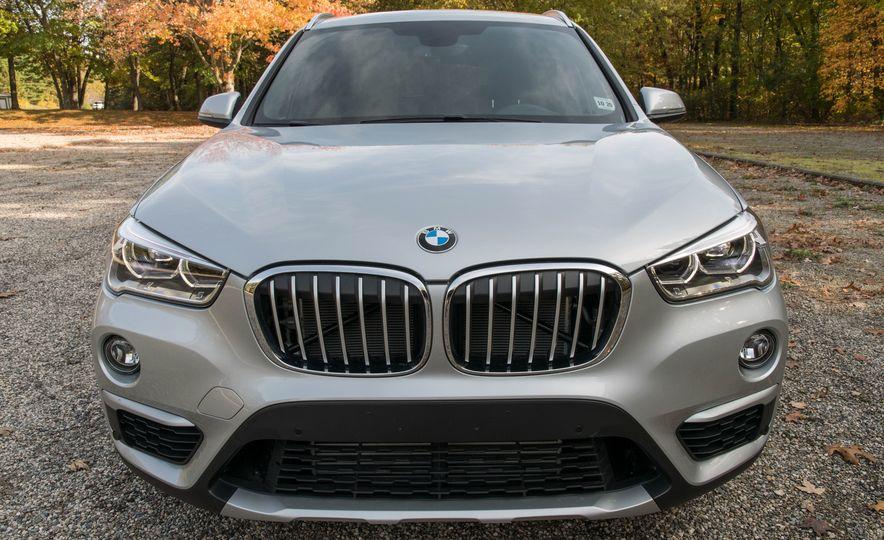 2017 BMW X1 xDrive28i - Slide 10
