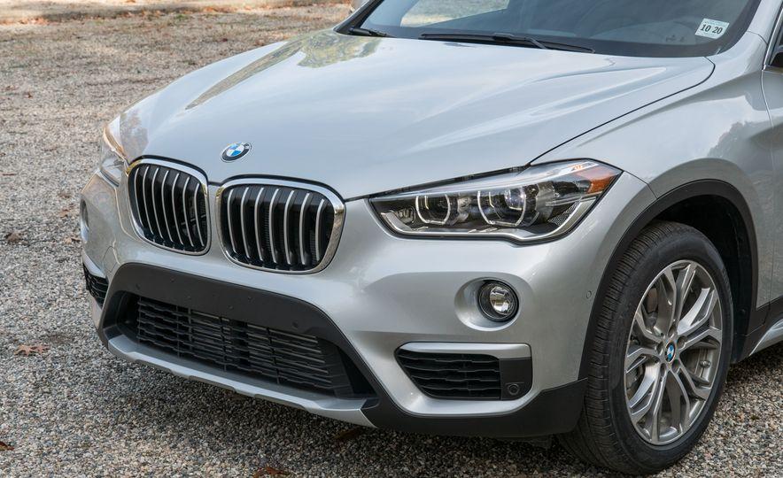 2017 BMW X1 xDrive28i - Slide 11