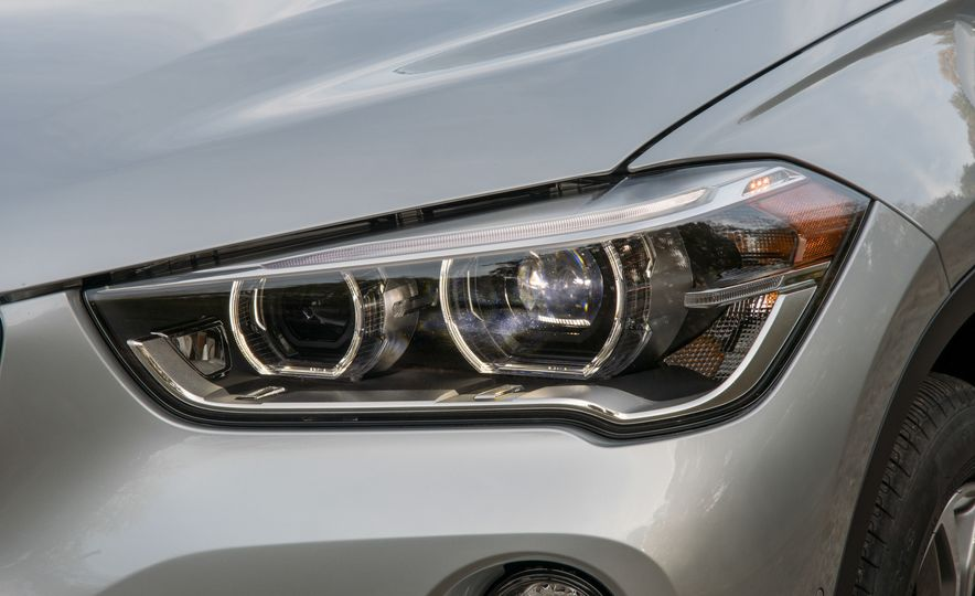 2017 BMW X1 xDrive28i - Slide 12