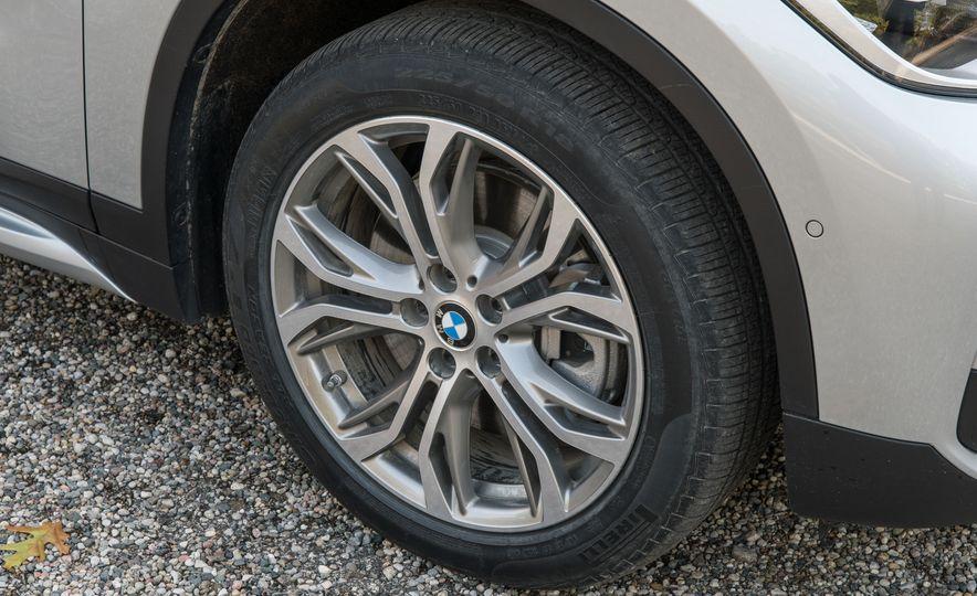 2017 BMW X1 xDrive28i - Slide 15