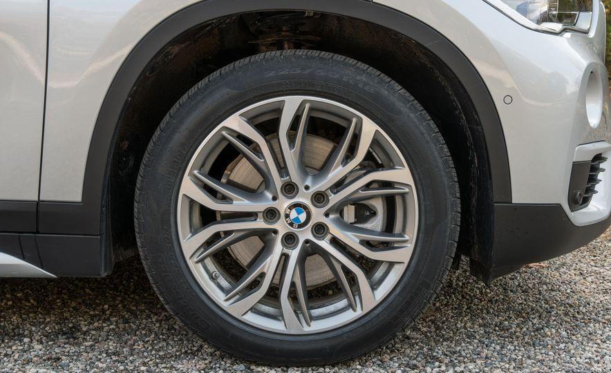 2017 BMW X1 xDrive28i - Slide 16