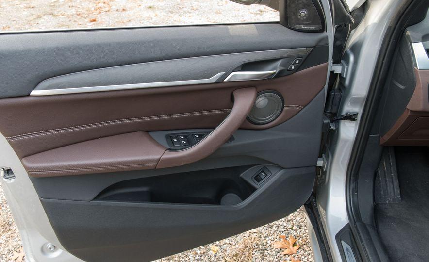 2017 BMW X1 xDrive28i - Slide 31