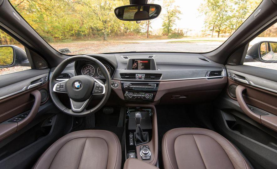 2017 BMW X1 xDrive28i - Slide 36