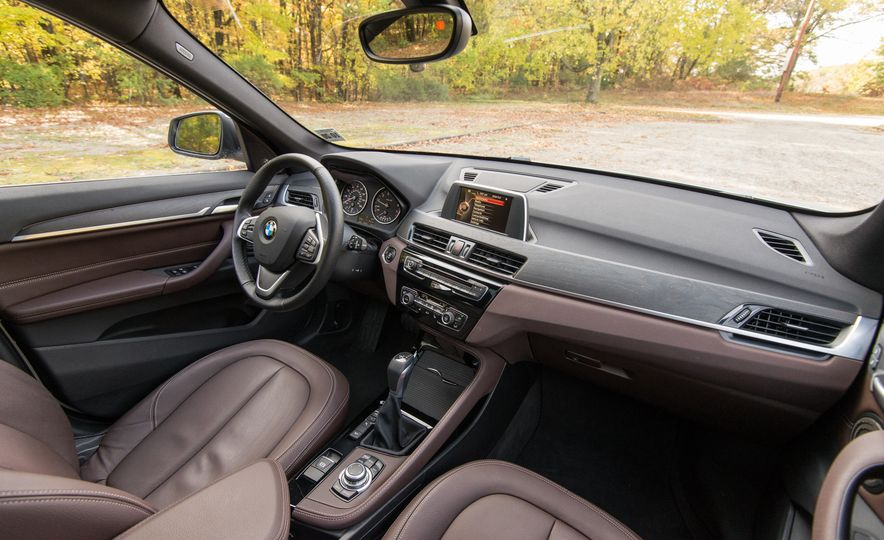 2017 BMW X1 xDrive28i - Slide 37