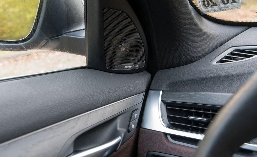 2017 BMW X1 xDrive28i - Slide 42