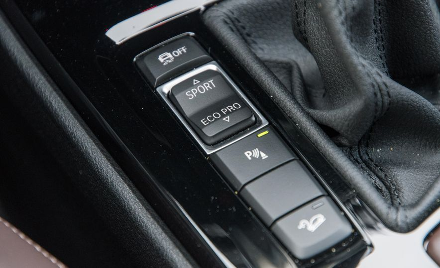 2017 BMW X1 xDrive28i - Slide 66