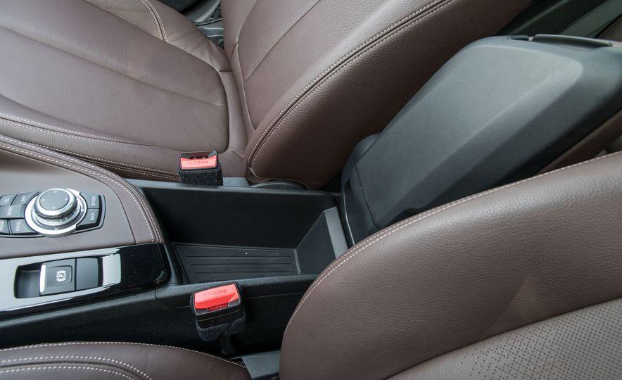 2017 BMW X1 xDrive28i - Slide 69