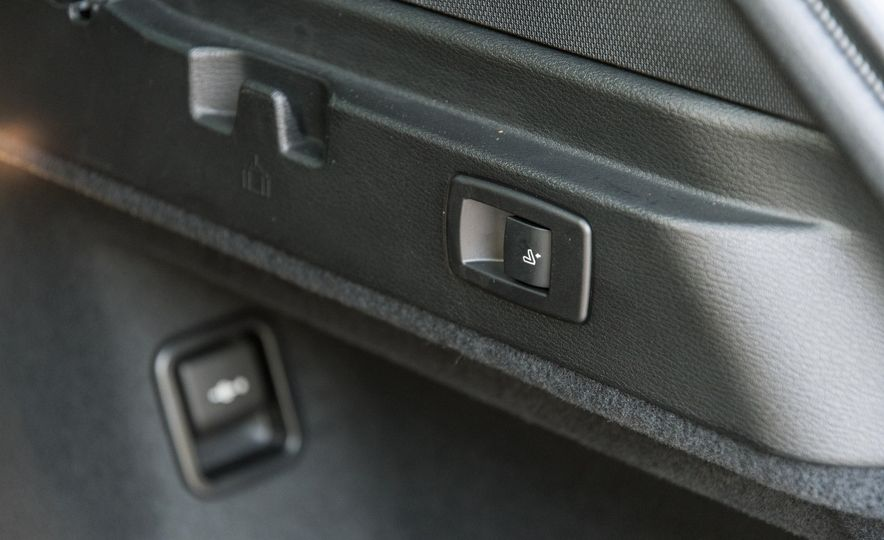 2017 BMW X1 xDrive28i - Slide 91