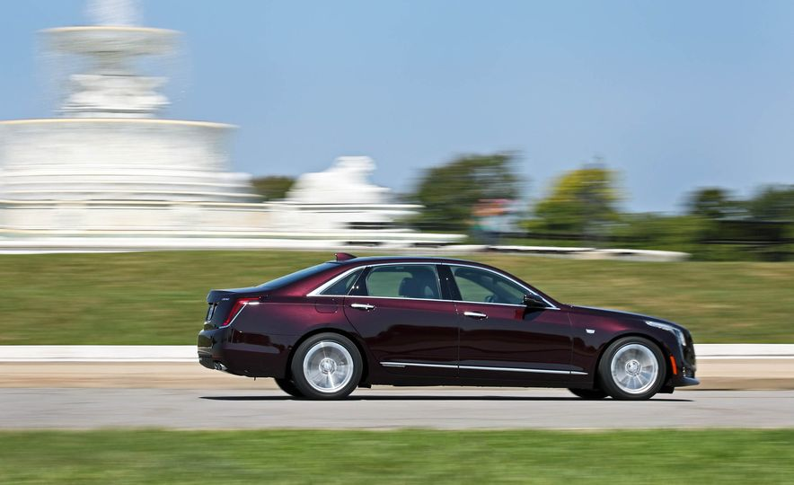 2017 Cadillac CT6 PHEV - Slide 9