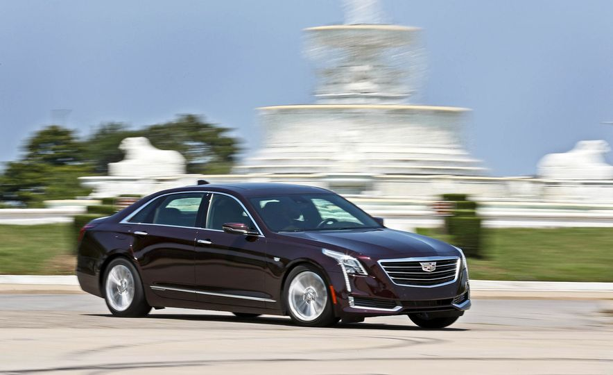 2017 Cadillac CT6 PHEV - Slide 8
