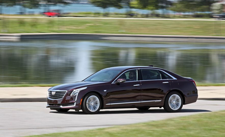 2017 Cadillac CT6 PHEV - Slide 12