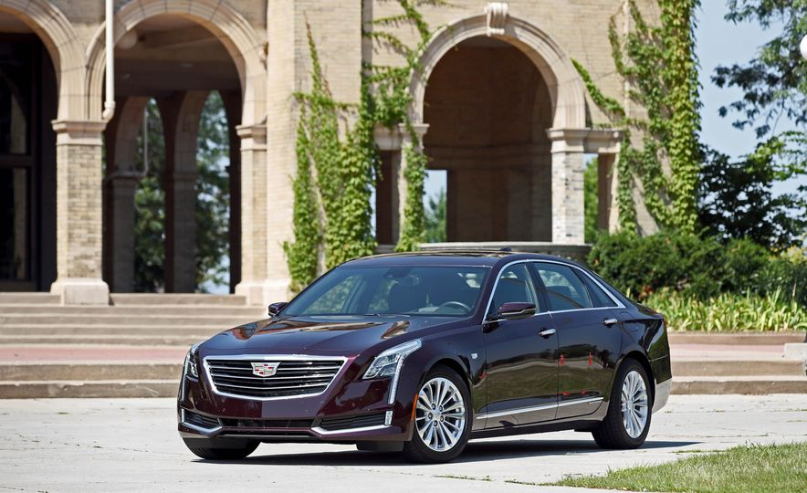 2017 Cadillac CT6 PHEV - Slide 14