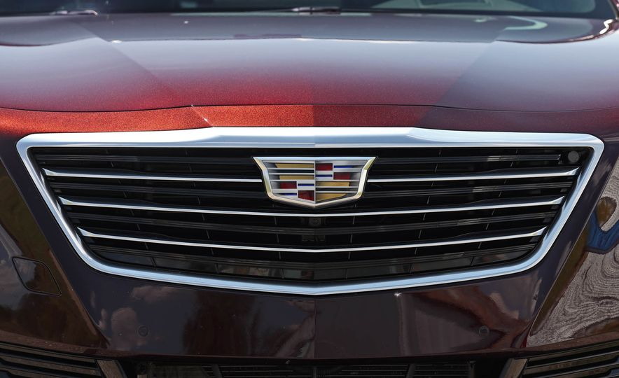 2017 Cadillac CT6 PHEV - Slide 22