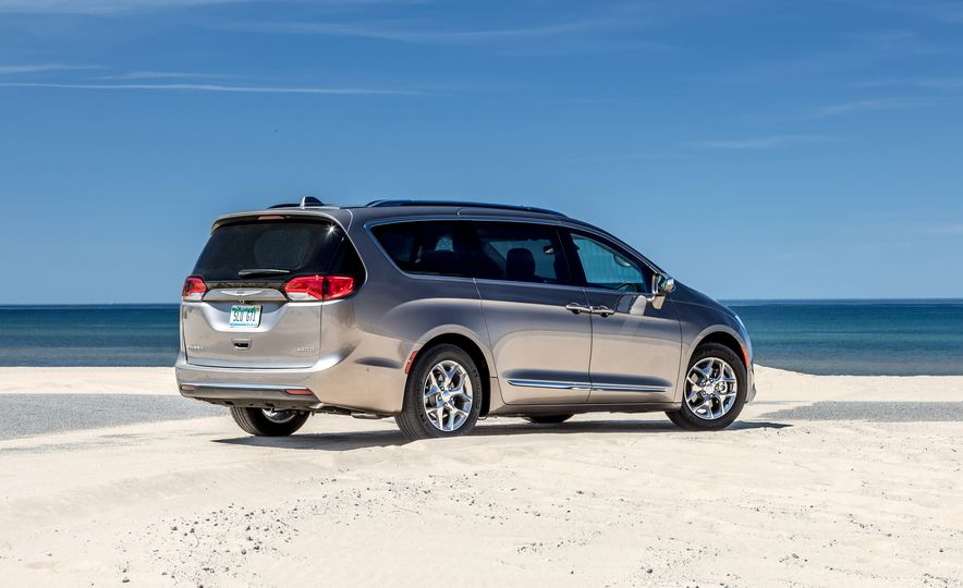 2017 Chrysler Pacifica Limited, 2017 Toyota Sienna Limited Premium, and 2018 Honda Odyssey Elite - Slide 5