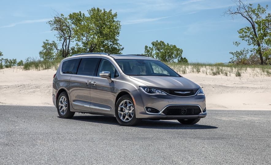 2017 Chrysler Pacifica Limited, 2017 Toyota Sienna Limited Premium, and 2018 Honda Odyssey Elite - Slide 6