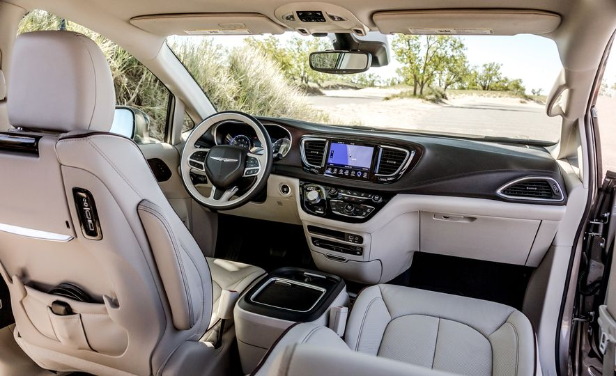 2017 Chrysler Pacifica Limited, 2017 Toyota Sienna Limited Premium, and 2018 Honda Odyssey Elite - Slide 11