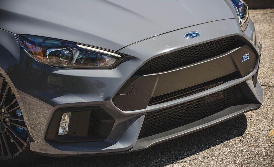 2017 Ford Focus RS - Slide 16