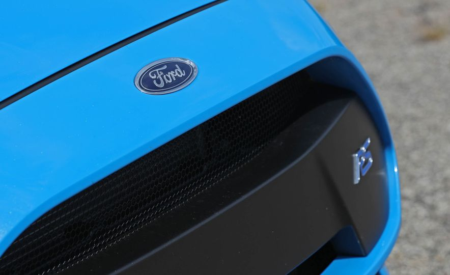 2017 Ford Focus RS - Slide 47