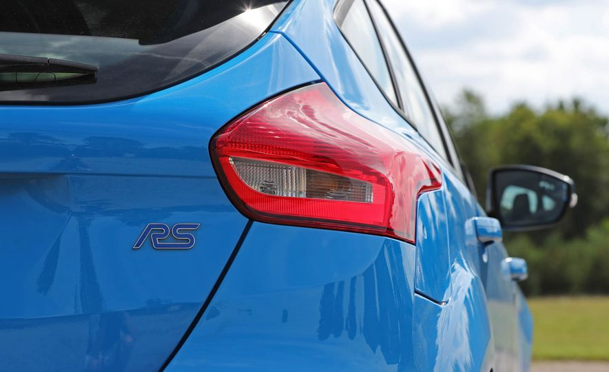 2017 Ford Focus RS - Slide 50