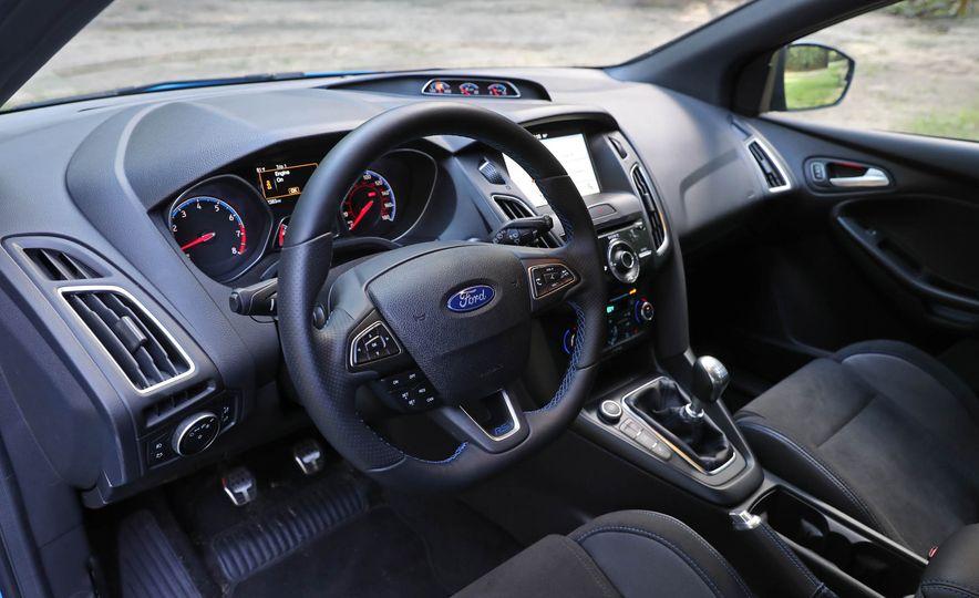 2017 Ford Focus RS - Slide 55