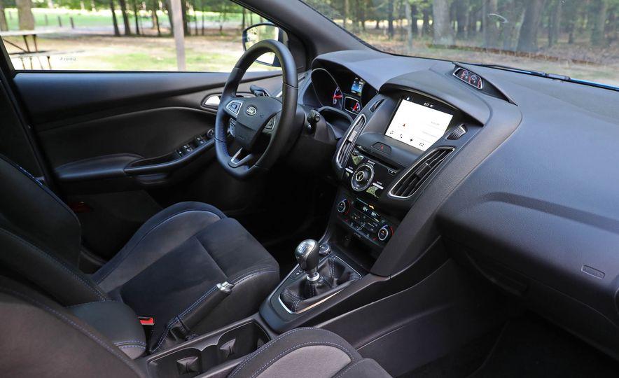 2017 Ford Focus RS - Slide 57