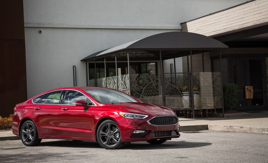 2017 Ford Fusion - Slide 9