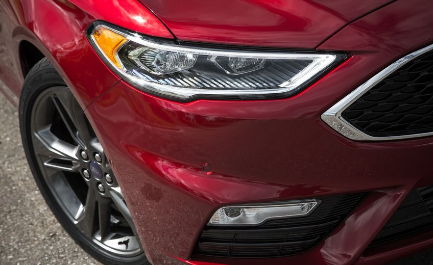 2017 Ford Fusion - Slide 17
