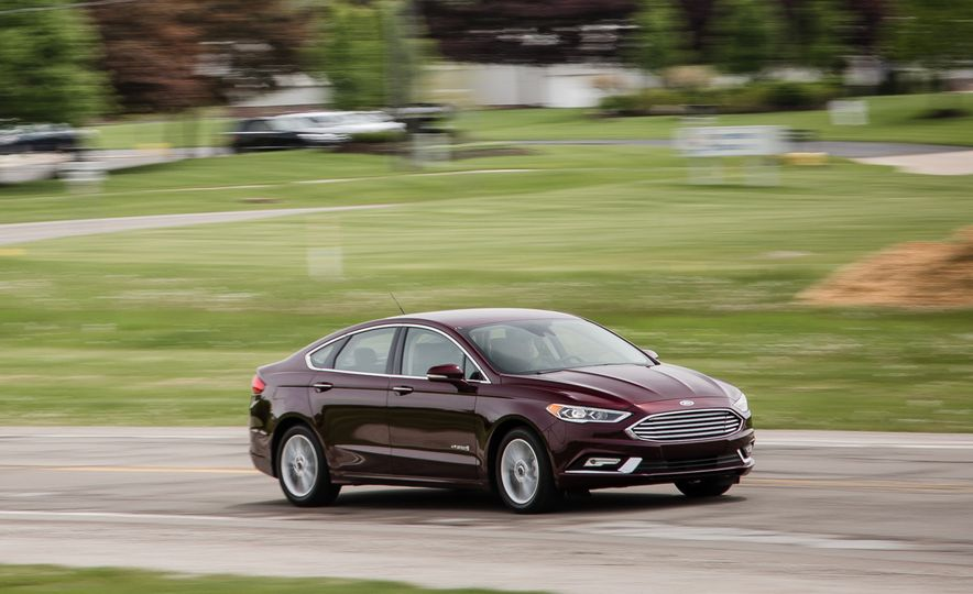 2017 Ford Fusion - Slide 44