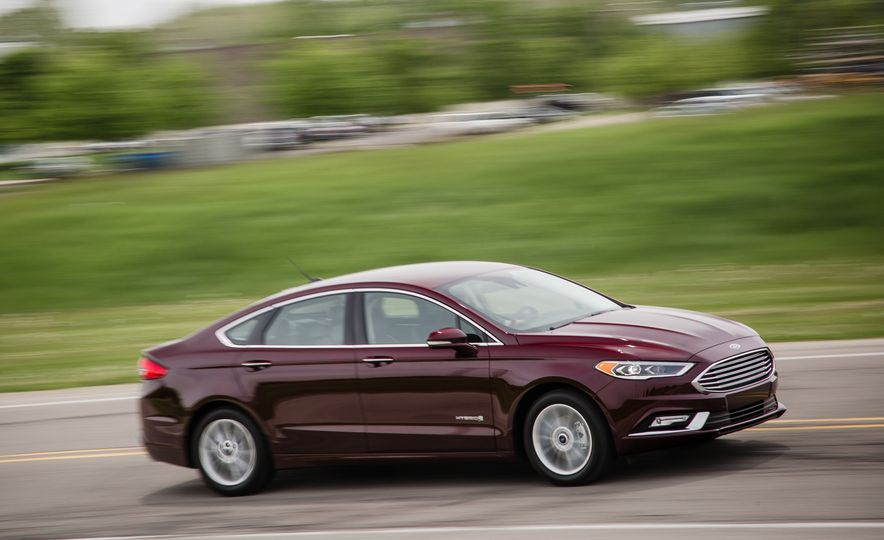 2017 Ford Fusion - Slide 46