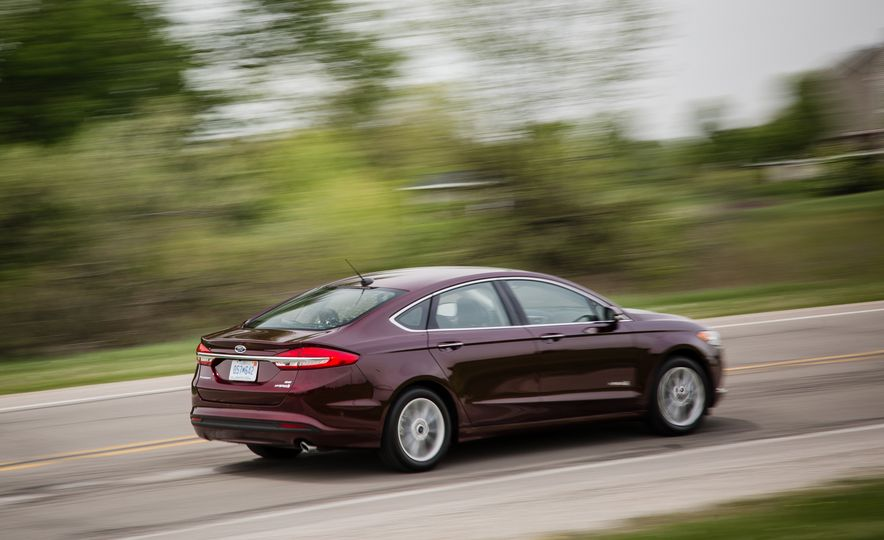 2017 Ford Fusion - Slide 47