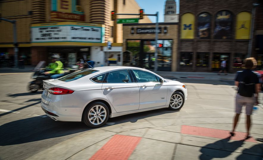 2017 Ford Fusion - Slide 89