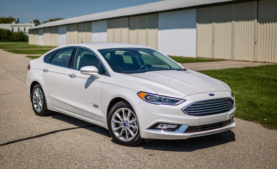 2017 Ford Fusion - Slide 90