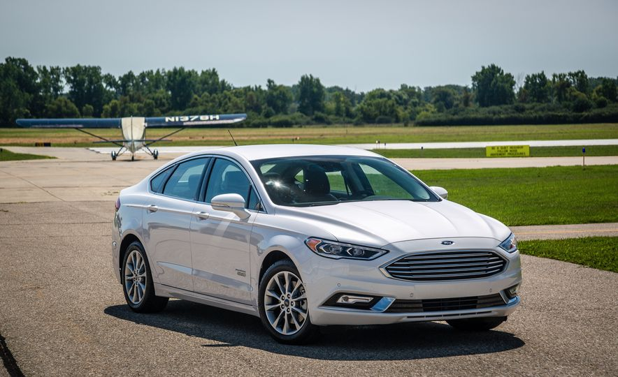 2017 Ford Fusion - Slide 91
