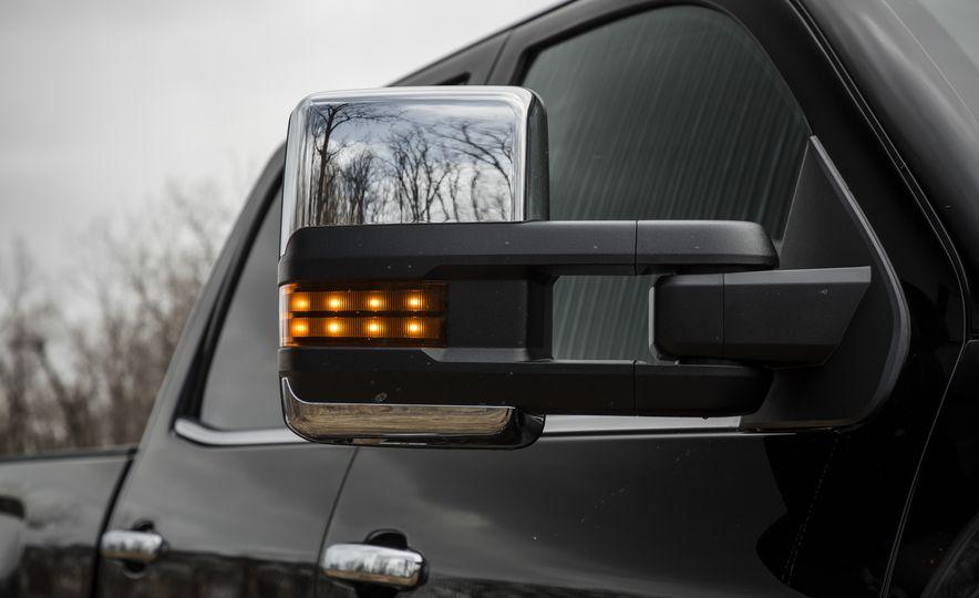 2017 GMC Sierra 2500HD - Slide 22