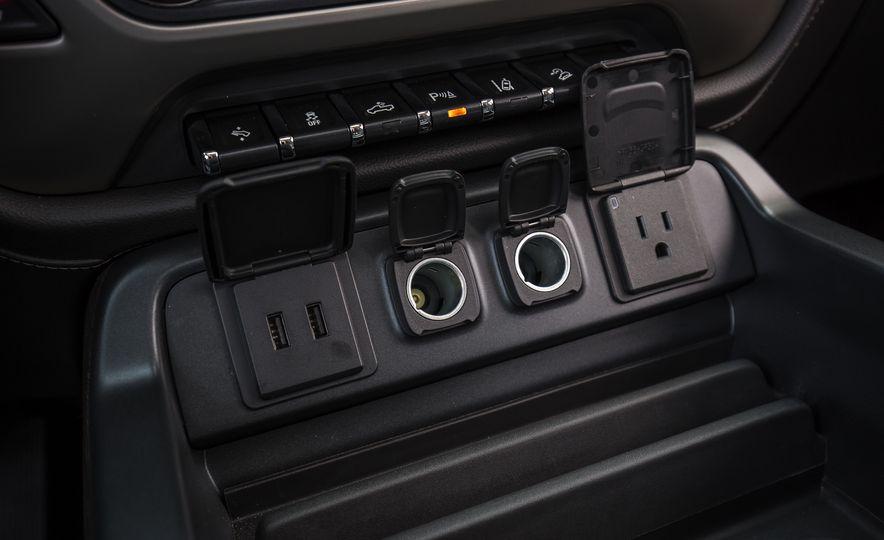 2017 GMC Sierra 2500HD - Slide 51