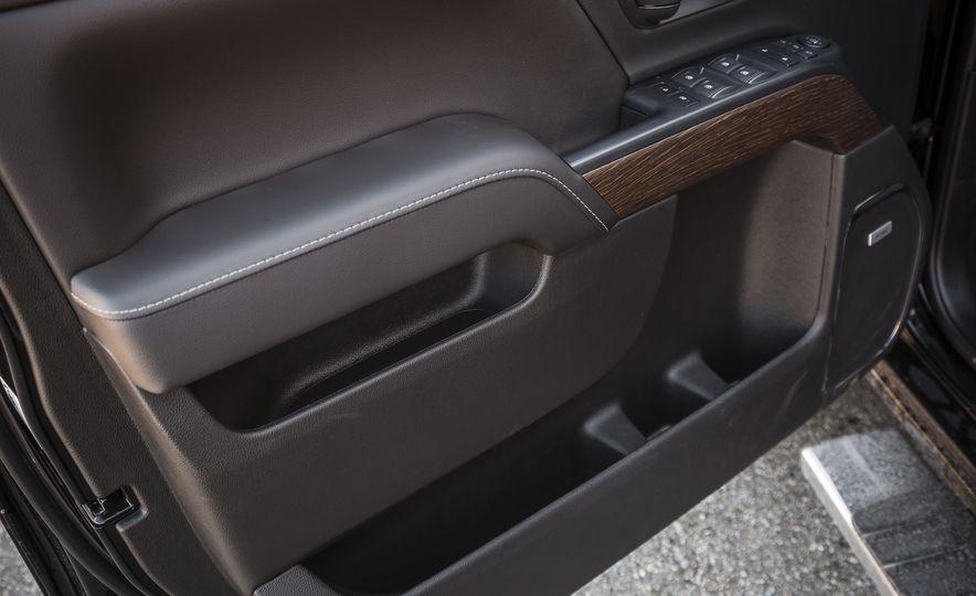 2017 GMC Sierra 2500HD - Slide 62