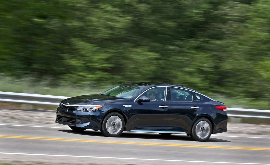 2017 Kia Optima Plug-In Hybrid - Slide 4