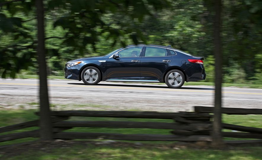 2017 Kia Optima Plug-In Hybrid - Slide 6